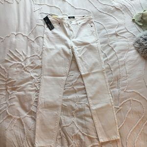 NWT mid-rise white jeans